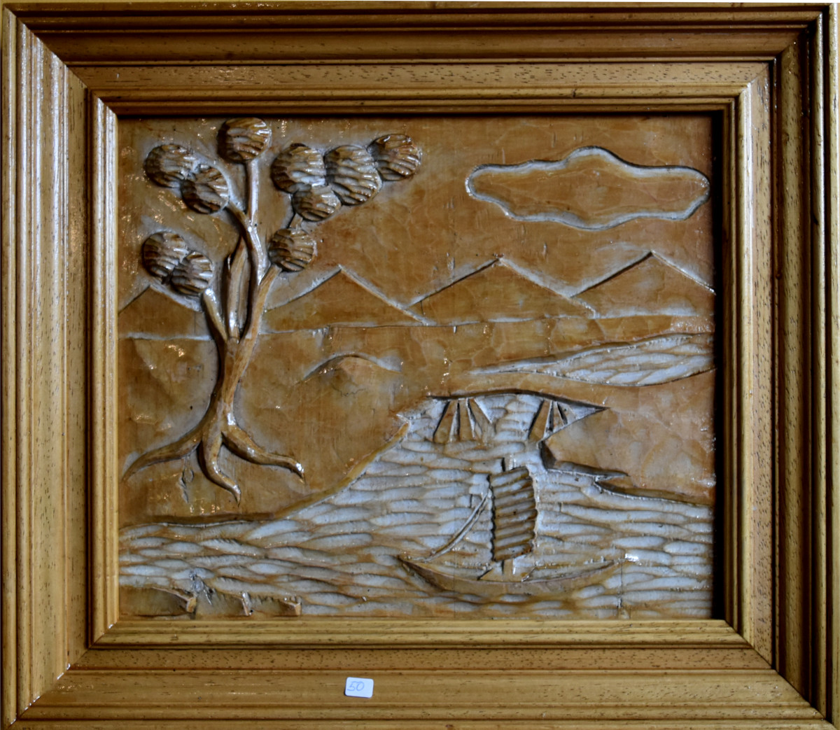 Cuadro tallado en madera